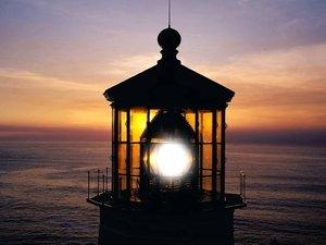 安卓灯塔 落日余晖 夕阳 风光手机壁纸