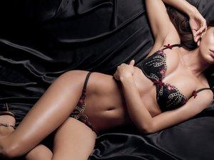 安卓欧美名模 美女 可爱 诱惑 迷人 电眼 触电手机壁纸