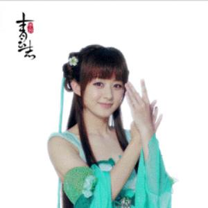 在剧中,赵丽颖饰演的女主角碧瑶在死灵渊下救下李易峰饰演的男主角